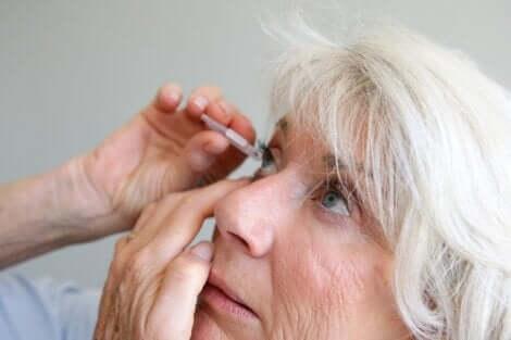 Gocce per gli occhi per il trattamento dell'uveite.