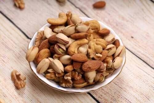 Frutta secca nella dieta: mandorle, noci o nocciole?