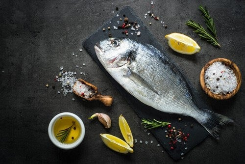 Pesce azzurro per la cena durante la gravidanza.