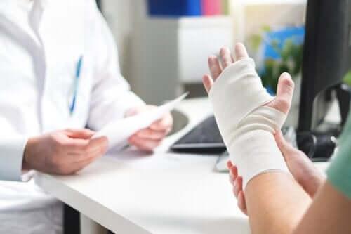 Rischio di fratture in pazienti diabetici: perché aumenta?