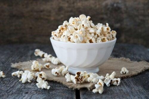 I popcorn fanno ingrassare davvero?