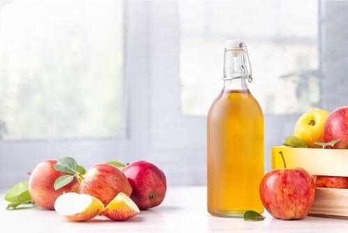 Proprietà dello aceto di mele per la pelle.