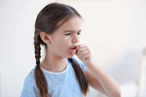 Bambina con la tosse.