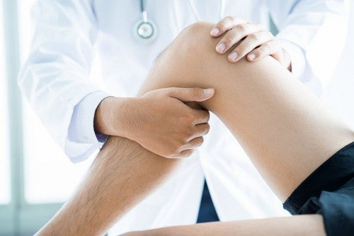 Fisioterapia per edema osseo.