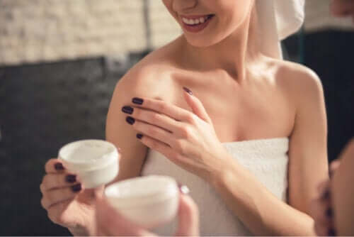 Il resveratrolo: 10 possibili effetti sulla pelle