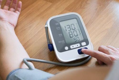 Benefici della melatonina sulla pressione arteriosa.