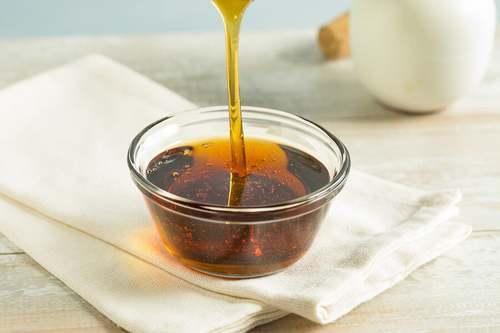 Recipiente con miele.