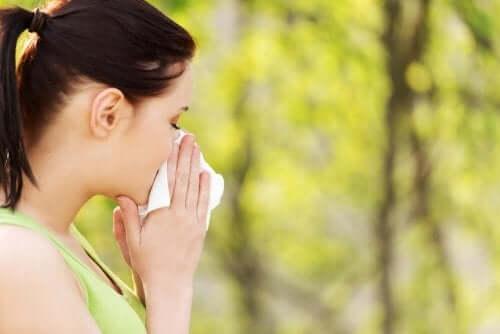 Allergia al polline: i migliori rimedi naturali