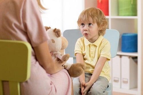 Ritardo del linguaggio: tipi, sintomi e cause