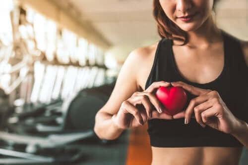 Fare attività fisica per proteggere il cuore.