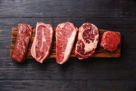 Diversi tipi di carne rossa.