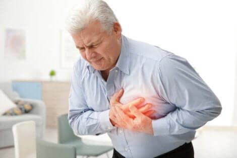 Sintomi di malattie cardiache e angina pectoris.