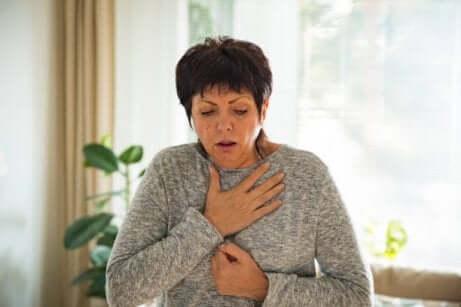 Disfagia e difficoltà respiratorie.