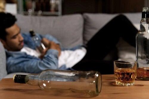 Problemi con l'alcol, come aiutare il partner?