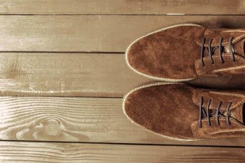 Scarpe scamosciate: come pulirle?