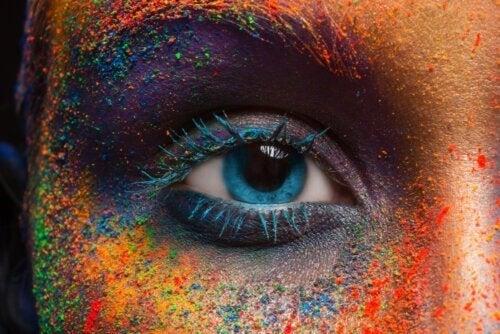 Cambiare il colore degli occhi: verità e mito