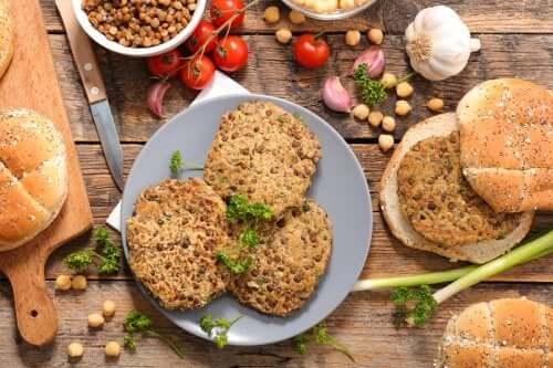 Ricette di hamburger vegetariani a base di legumi.