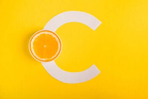La vitamina C aiuta a combattere l'allergia?