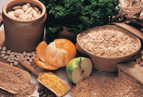 Alimenti ricchi di fibre per migliorare i sintomi della endometriosi.