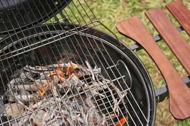 Cenere nel barbecue.