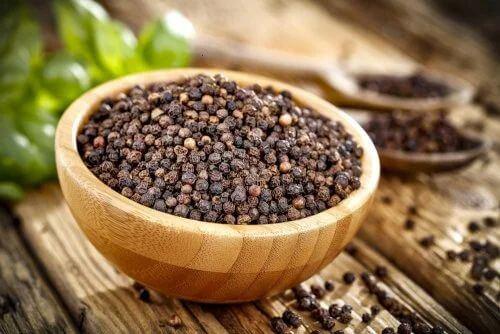 Benefici del pepe nero.