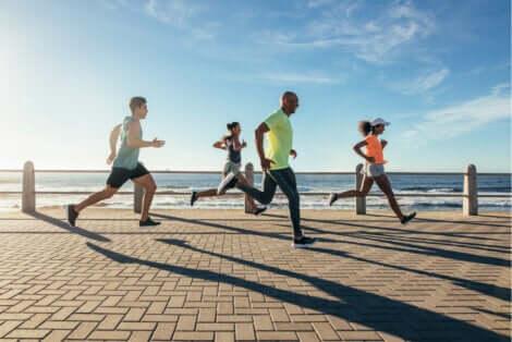 Jogging e running: persone che corrono.