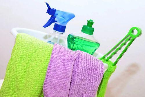 Prodotti per la pulizia non adatti per pulire lo acquario.