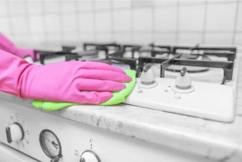 Aceto per disinfettare casa: cosa bisogna sapere?