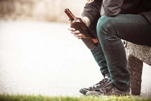 Alcolismo: cause e possibili conseguenze