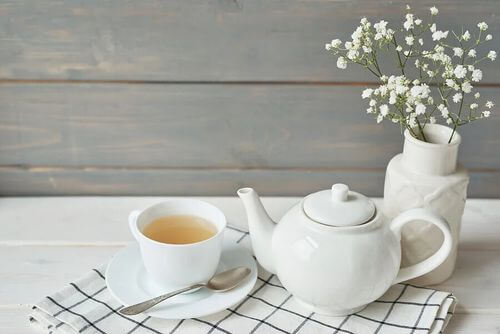 Tè bianco per combattere la tosse.