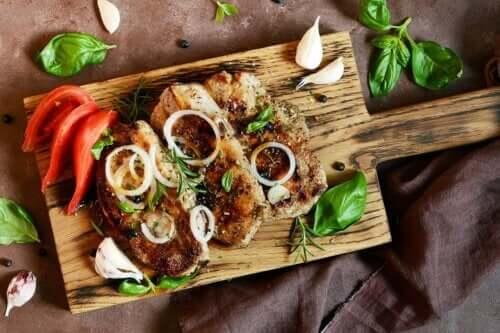 Bistecca alle cipolle: ricetta facile e salutare