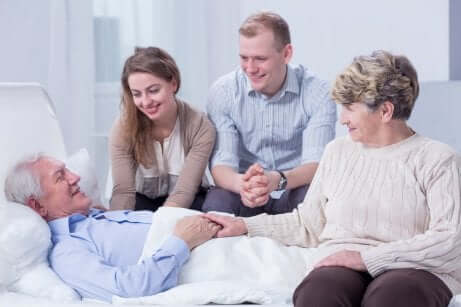 Famiglia con parente malato di Alzheimer.