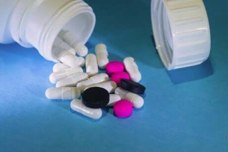 Flacone di pillole di urbason.