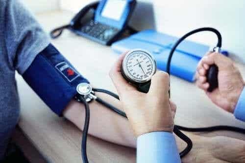 Manidipina per il trattamento dell'ipertensione arteriosa