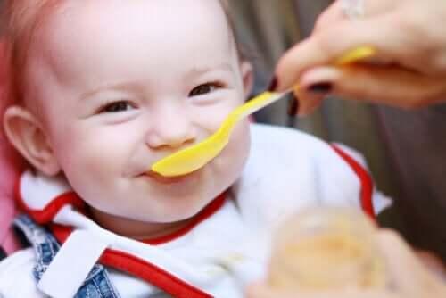 Il neonato ha fame: segnali per capirlo