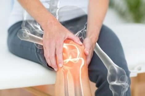 Voltaren per persona con dolore al ginocchio.