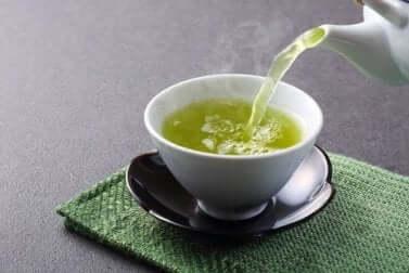 Il tè verde tra gli infusi antistress.