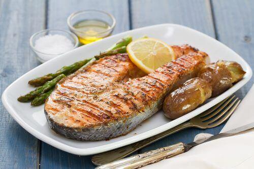 Trancio di pesce con verdure.