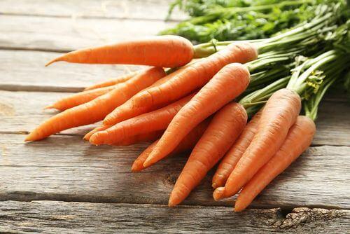 Carote ricche di carotenoidi.