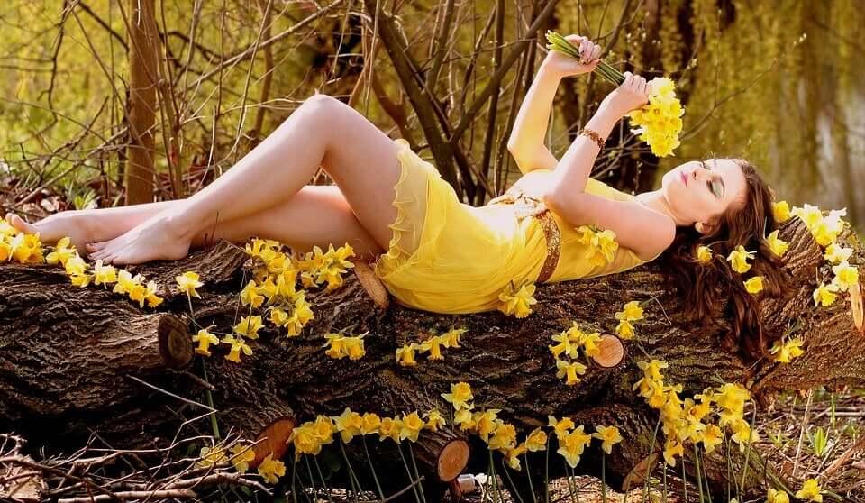 Donna nel bosco.