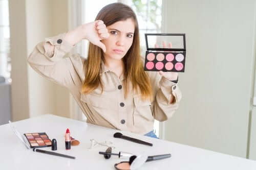 I cosmetici irritano sempre la pelle?