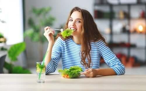 Trucchi per mangiare meno senza soffrire la fame