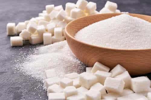 Miti sullo zucchero da tavola o saccarosio