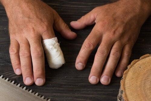 Amputazione accidentale del dito: primo soccorso