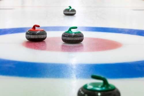Stones per giocare a curling.