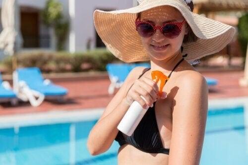 Proteggere la pelle dai danni del sole: si comincia a tavola