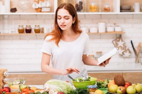 Donna che cucina.