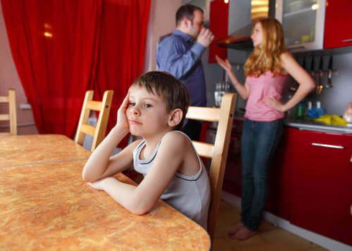 Genitori che discutono.