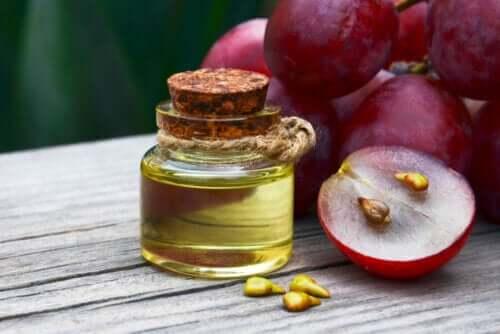 Olio di vinaccioli: usi e benefici per la salute