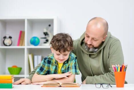 La lettura tra le abitudini da insegnare ai bambini.